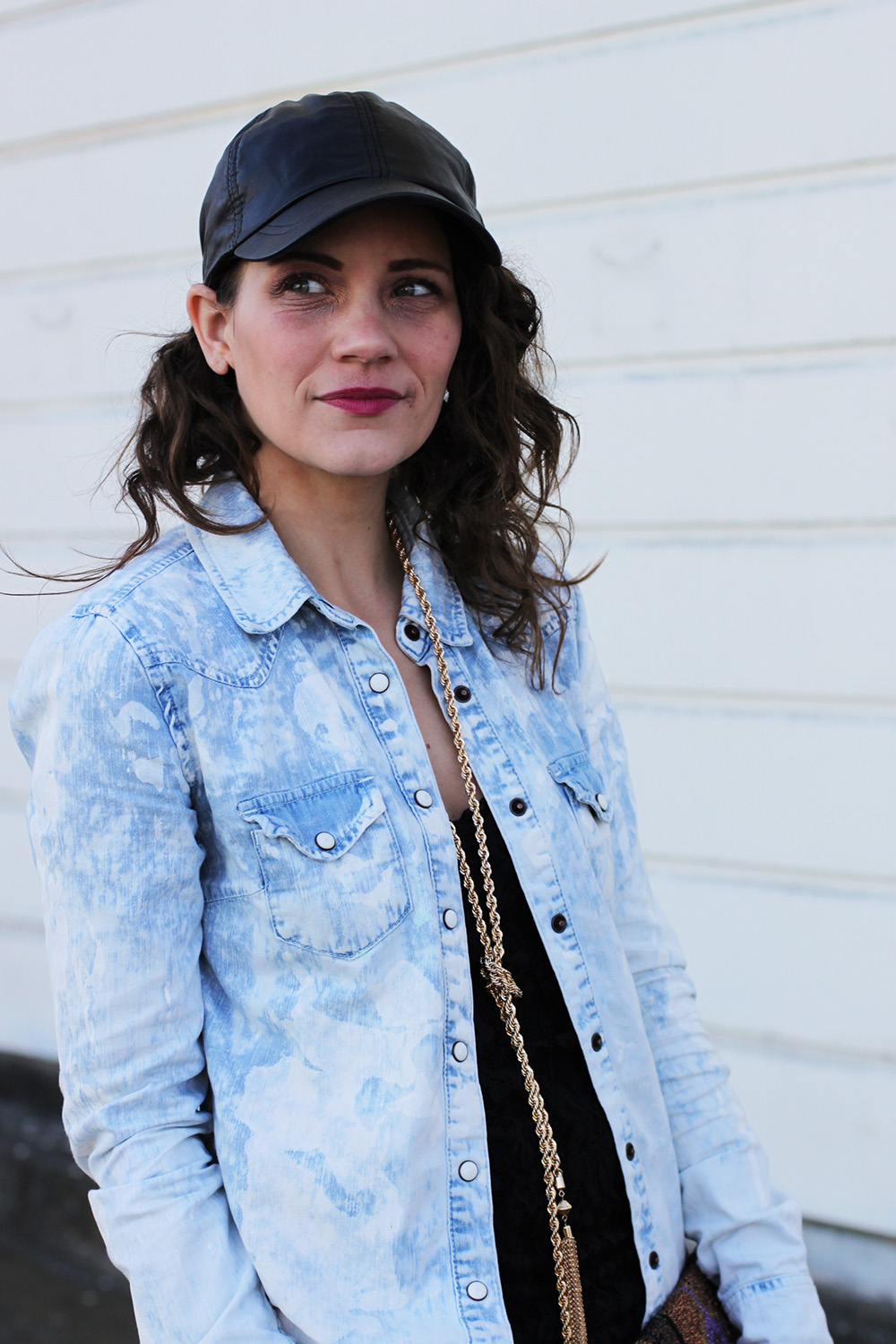leather ball cap and curls via undeniablestyle.com