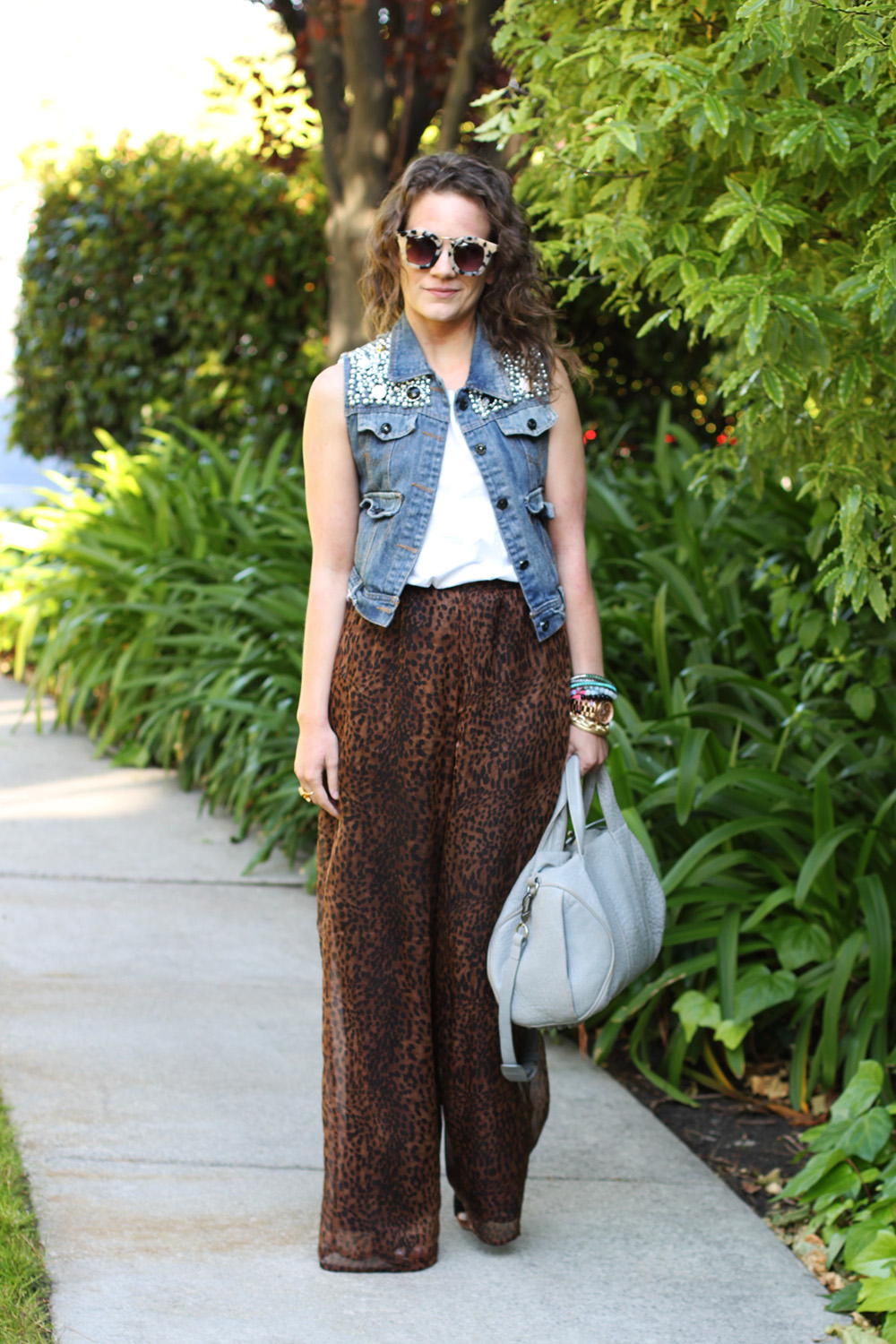 how to wear palazzo pants tip #2: chiffon or lightweight fabric