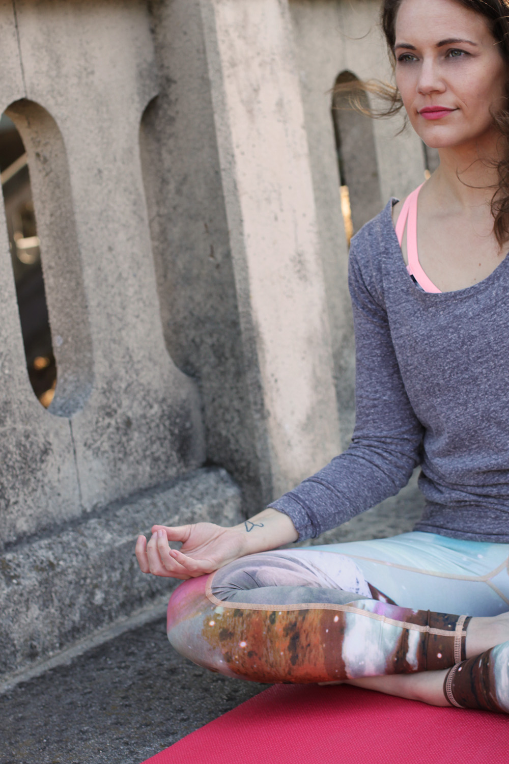 What to wear to Yoga on undeniablestyle.com