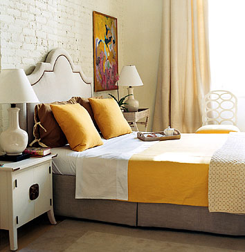 whiteandyellowbedroom.jpg