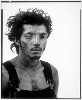 rchard_avedon_oil_worker_1980s.jpg